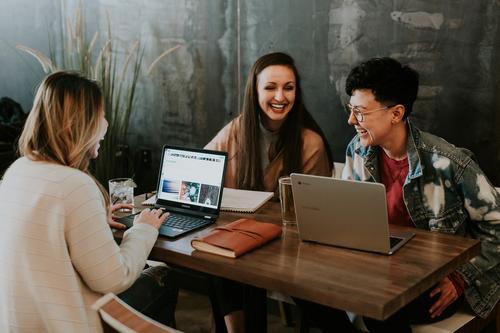 Employee Experience: redesenhando jornadas para criar experiências incríveis e atrair os melhores talentos